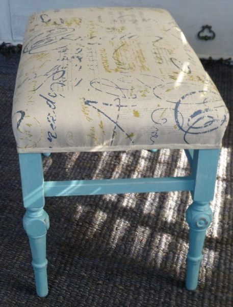 Stupendous Vintage Calligraphy Graphic Upholstered Bench Ibusinesslaw Wood Chair Design Ideas Ibusinesslaworg