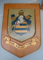 """Fide Sed Cui Vide"" Crest"