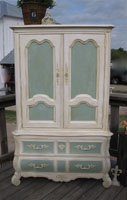 Thomasville French Provincial Armoire
